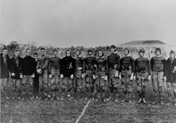 Eisenhower (2nd from left) and Omar Bradley (2nd from right) were members of the 1912 West Point football team