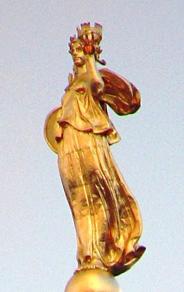 Civic Fame statue on top of the Manhattan Municipal Building